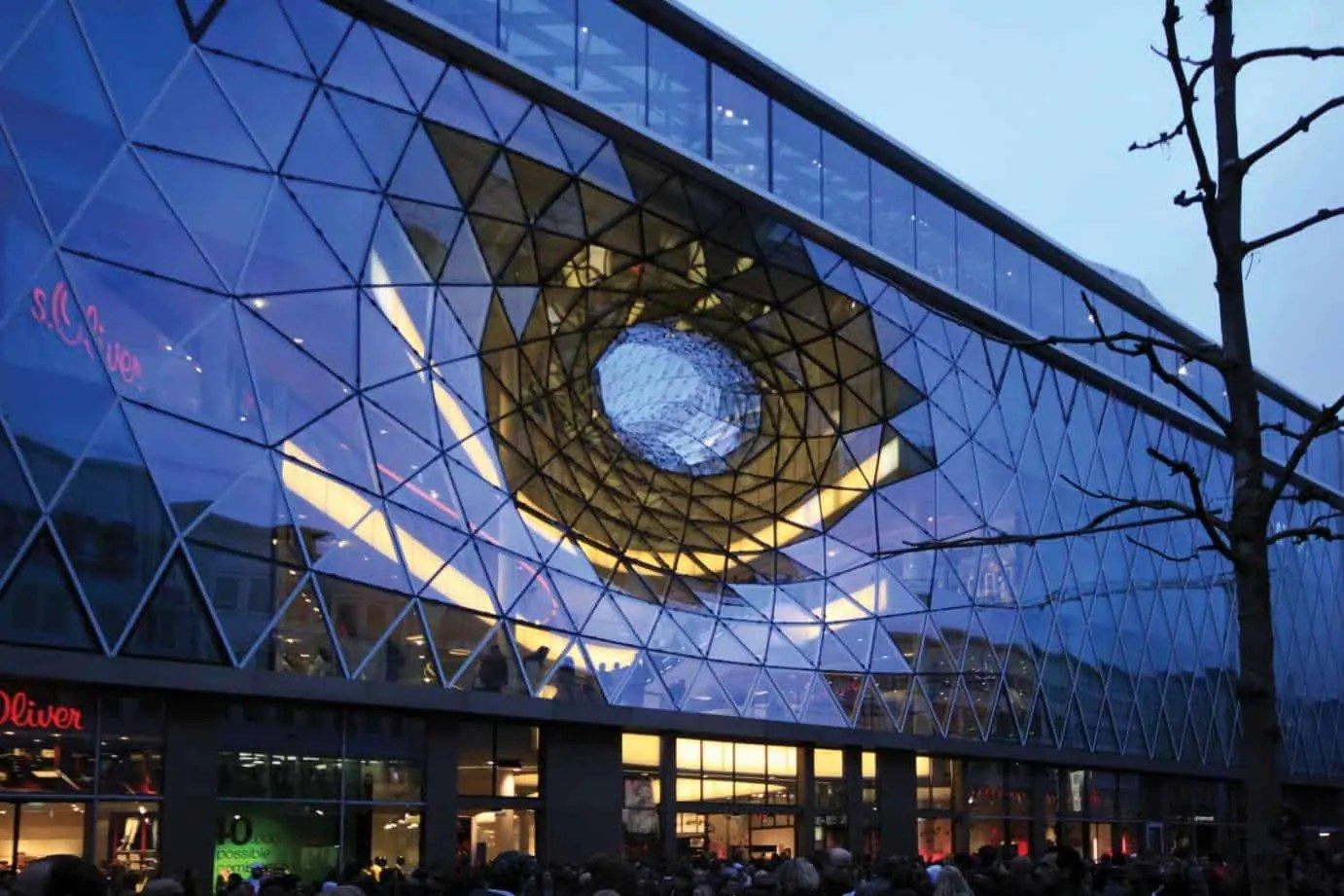 myzeil shopping mall frankfurt germany 39 s grand futuristic. Black Bedroom Furniture Sets. Home Design Ideas