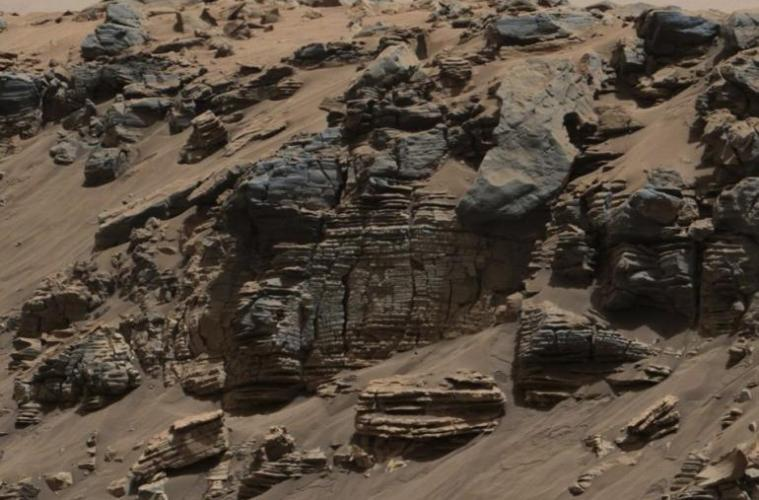 455913-an-evenly-layered-rock-on-the-planet-mars-photographed-by-the-mast-cam