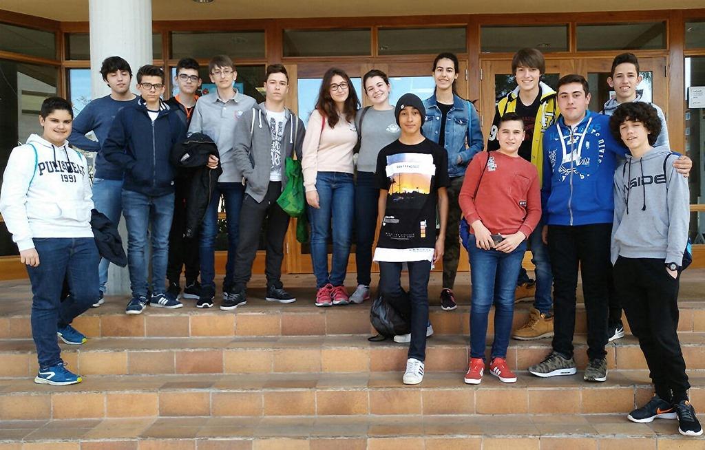 16 jóvenes estudiantes de Secundaria inician su participación en los talleres que días atrás les presentó la Escuela Universitaria de Informática