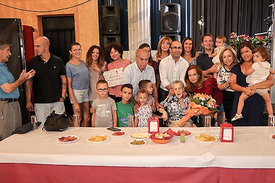 Vicenta Loro Velázquez recibió el homenaje rabanero a sus casi 96 años