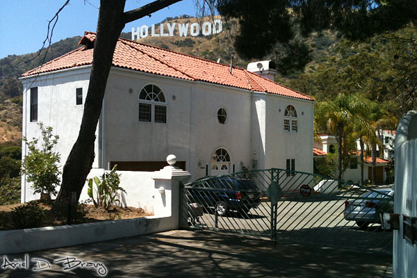 A Hollywood sign house at a dead end