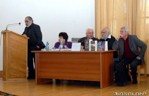 "Presentation of Verjine Svazlian's book ""The Armenian Genocide: Testimonies of the Eye-witness Survivors"" at the National Library of Armenia"