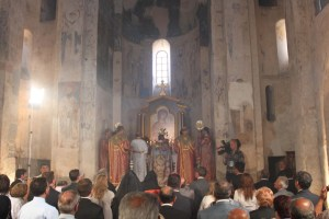 church inside 300x200 Detailed Report: The Mass in Akhtamar, and What's Next
