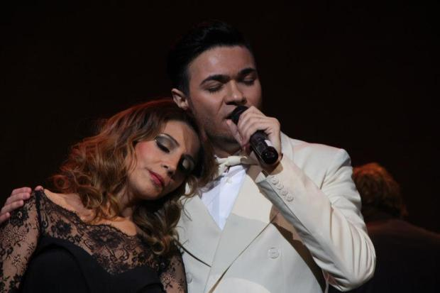 Andre and Sibil Istanbul Concert by André and Sibil Attracts Hundreds