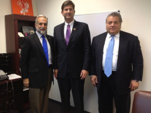 Rep. Brad Schneider (D-IL-10) with ANCA Chairman Ken Hachikian (left) and ANC-Illinois Chairman Claude Ohanesian on Sept. 16.