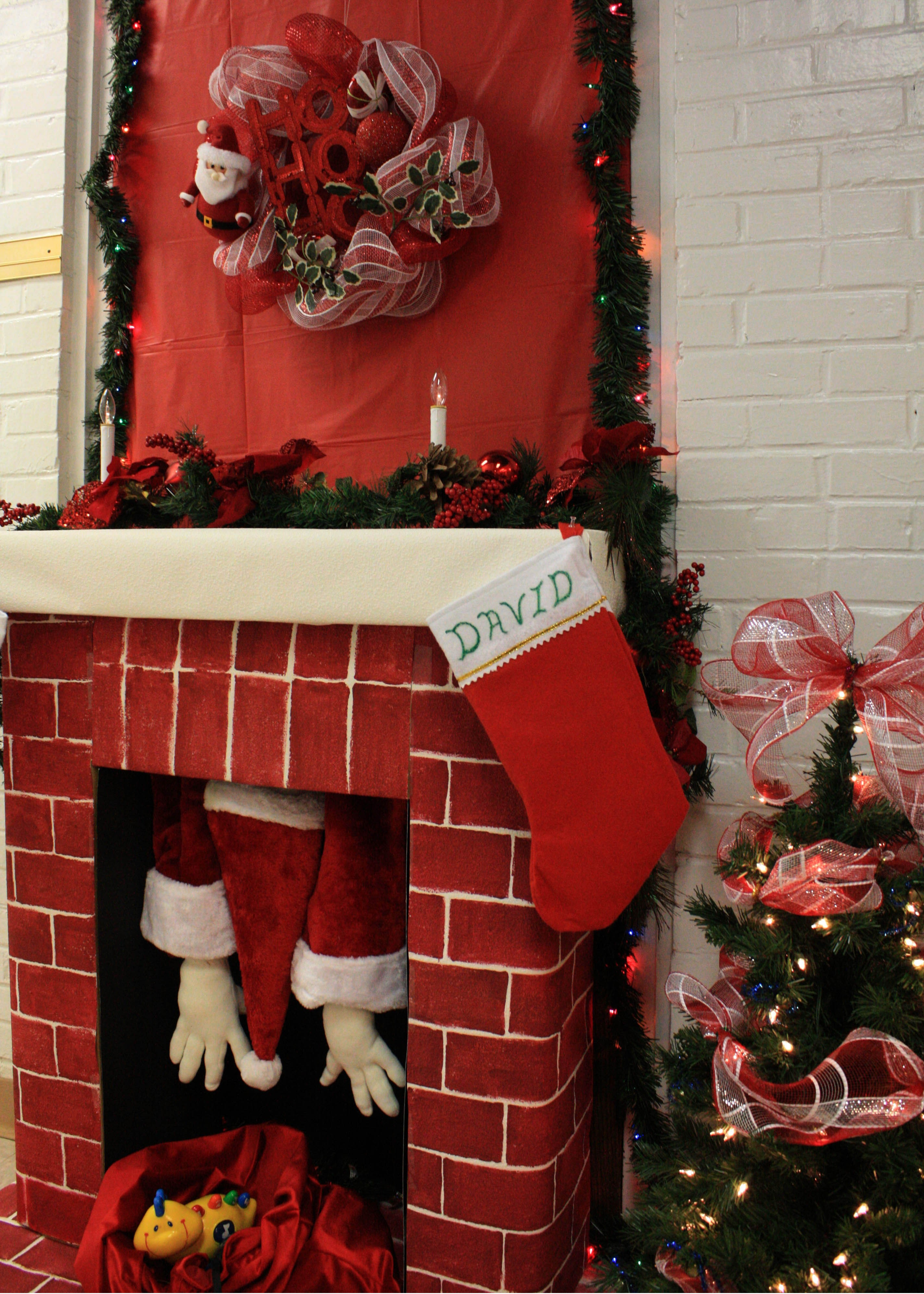 Employees' Christmas contest boosts creativity, morale