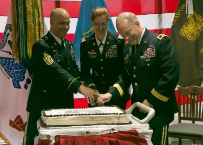 HQ INSCOM welcomes first command chief warrant officer | Article | The United States Army