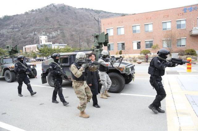 US Army, ROK Navy rehearse tactical response Article The