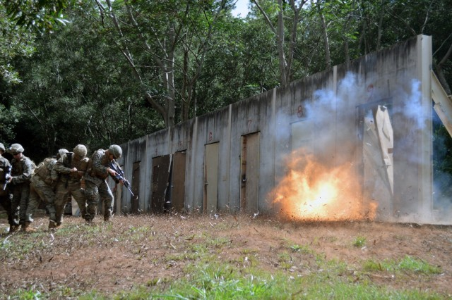Combat engineers, Marines make a bang with shotguns, demos Article