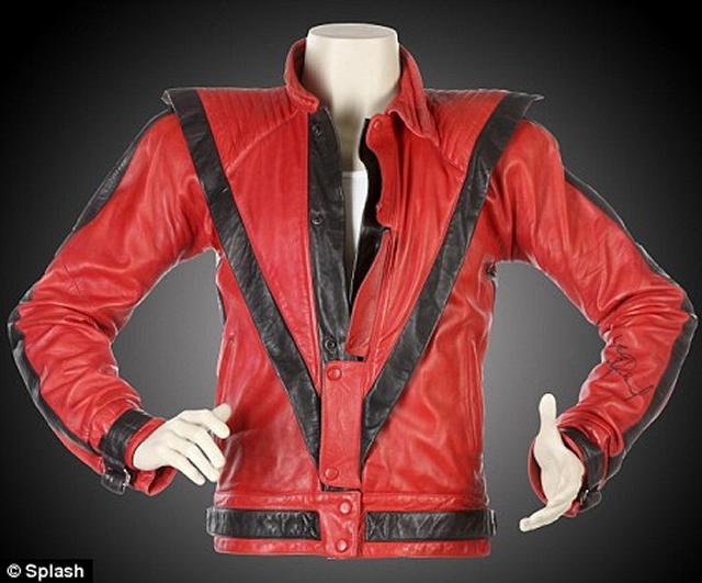 """Jaqueta Que Michael Jackson Usou Em """"Thriller"""" Pode Ser Vendida Por Até R$ 628 mil"""