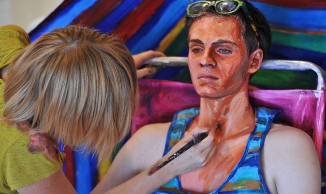 Artista Pinta A Pele Dos Modelos Para Fazê-Los Parecer Com Pinturas Em Tela 02