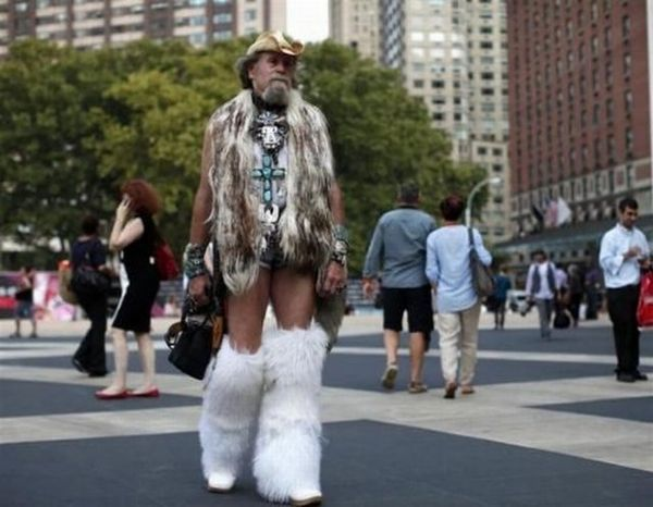 Esquisitices Fashion Week: é feio, mas tá na moda!