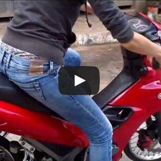 Se mulher já é perigosa dirigindo carro, imagina pilotando moto