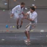 Já pensou em uma guerra de balões d'água?