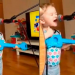 Garotinho de 2 anos faz cover de Ed Sheeran e viraliza na web