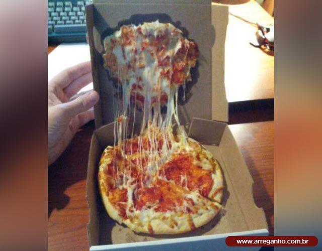 Adoro quando a pizza chega assim