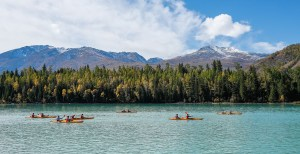 Teams kayaking during the untimed prologue, photo: ARWS