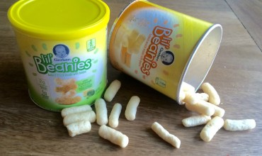 Healthy On the Go Snack for Toddlers   Gerber Lil' Beanies