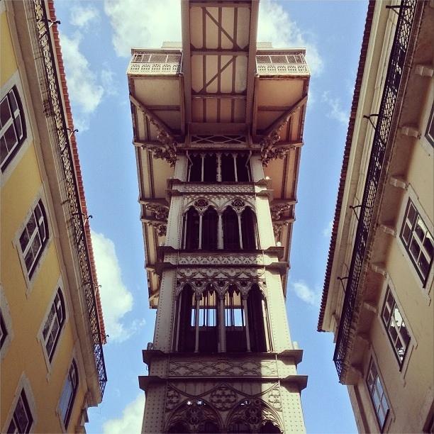 nacho-carretero-instagram-ascensores-guays-lisbon