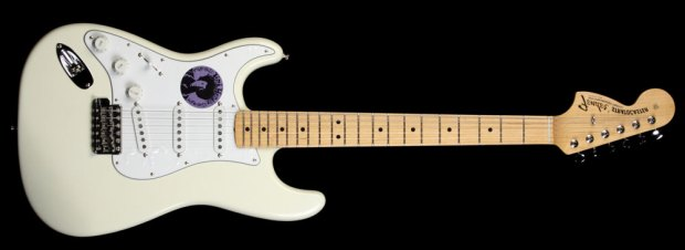 Fender_Hendrix_Tribute_Stratocaster_OWT_TN700423_a
