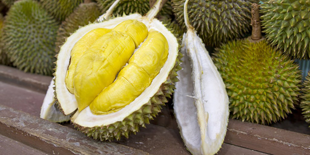 Smelly, putrid Durian fruit... ready to eat. (www.foreigngeek.com)