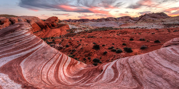 A sunset image of Valley Of Fire state park in Nevada (www.lovethesepics.com)