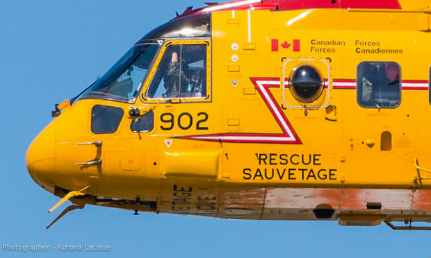 Missing legs: Canadian rescue helicopter