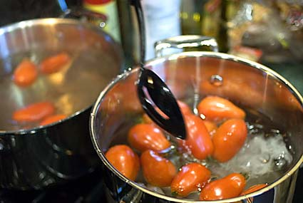 1-blanching-the-tomatoes.jpg