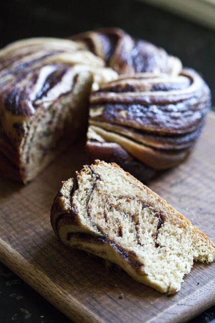 crock pot swirl bread 13
