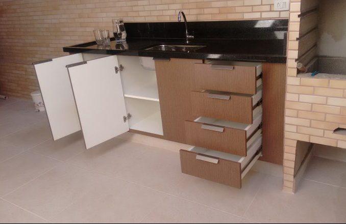 gabinete em área de churrasqueira