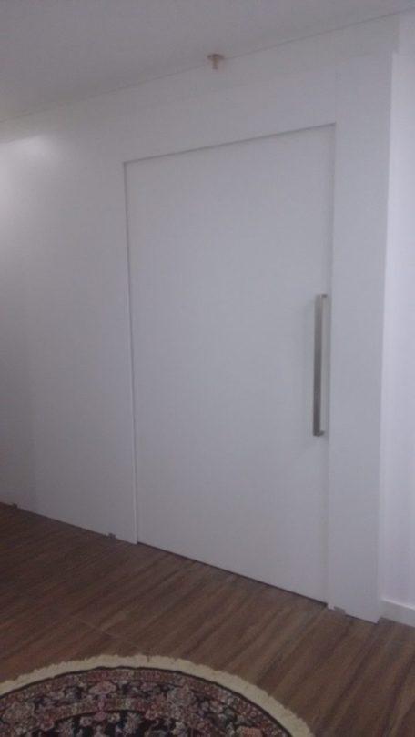 porta de diversos tamanhos embutidas em drywall
