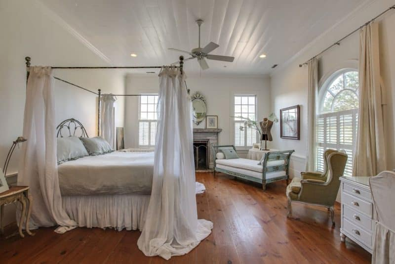 Gorgeous Master Bedrooms With Hardwood Floors O Art Of The