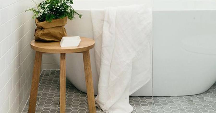 9 Impressive Mosaic Tile Designs for Bathroom Floors