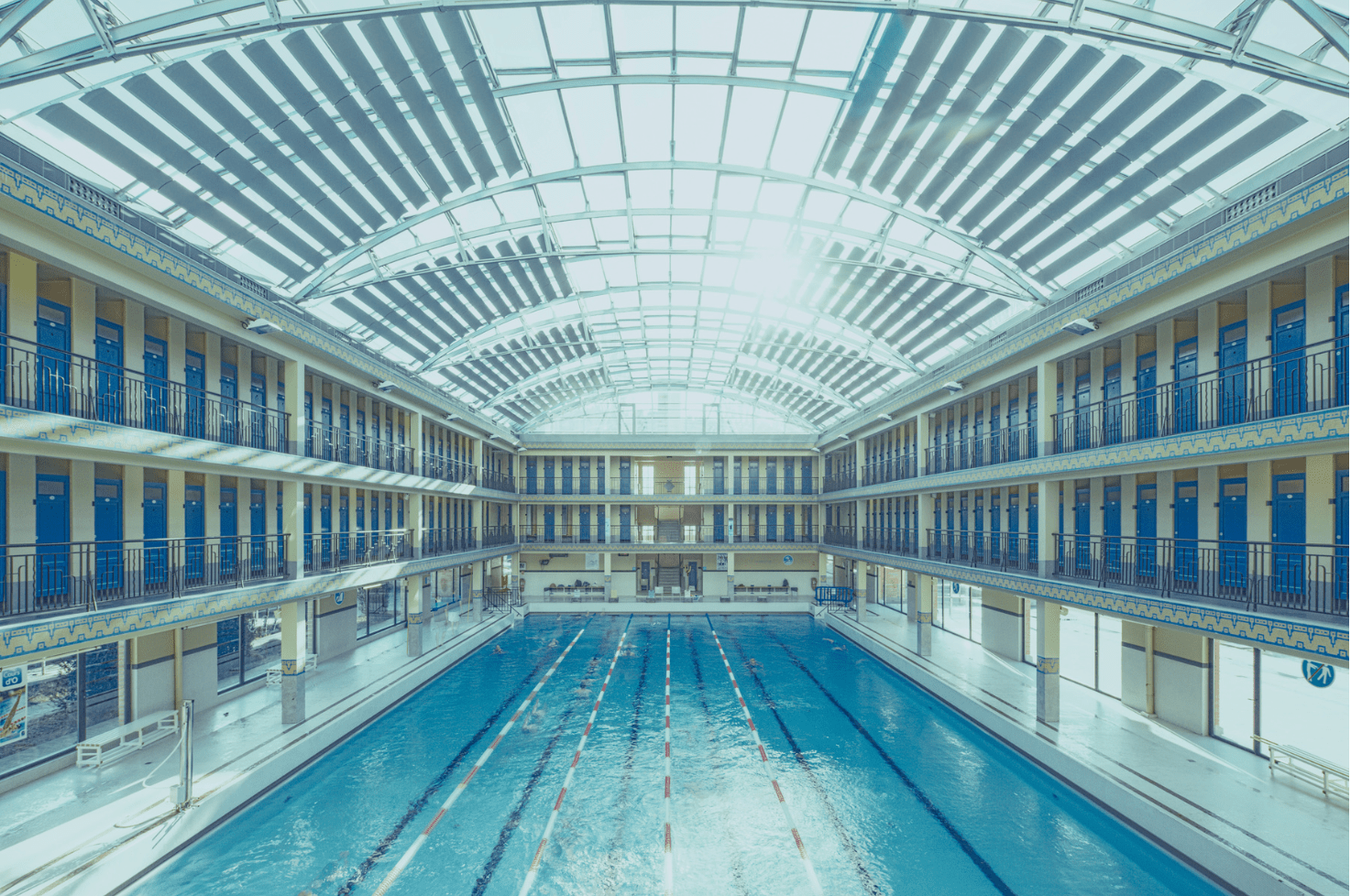 Geometrie indoor swimming pool by franck bohbot for Piscine pailleron