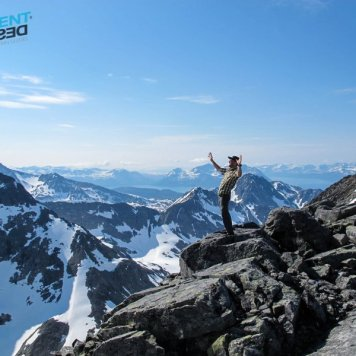 Late spring and fantastic weather in the Lyngen alps.
