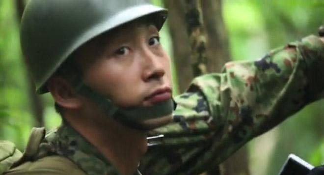 沖縄での日米合同訓練に参加している自衛隊 員(米軍の広報サイト DVIDSより)