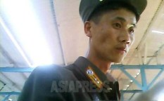 The soldier was an army officer who was buying stuff at a market. Taken on August 2013 at Hyesan City of Yanggang Province (ASIA PRESS)