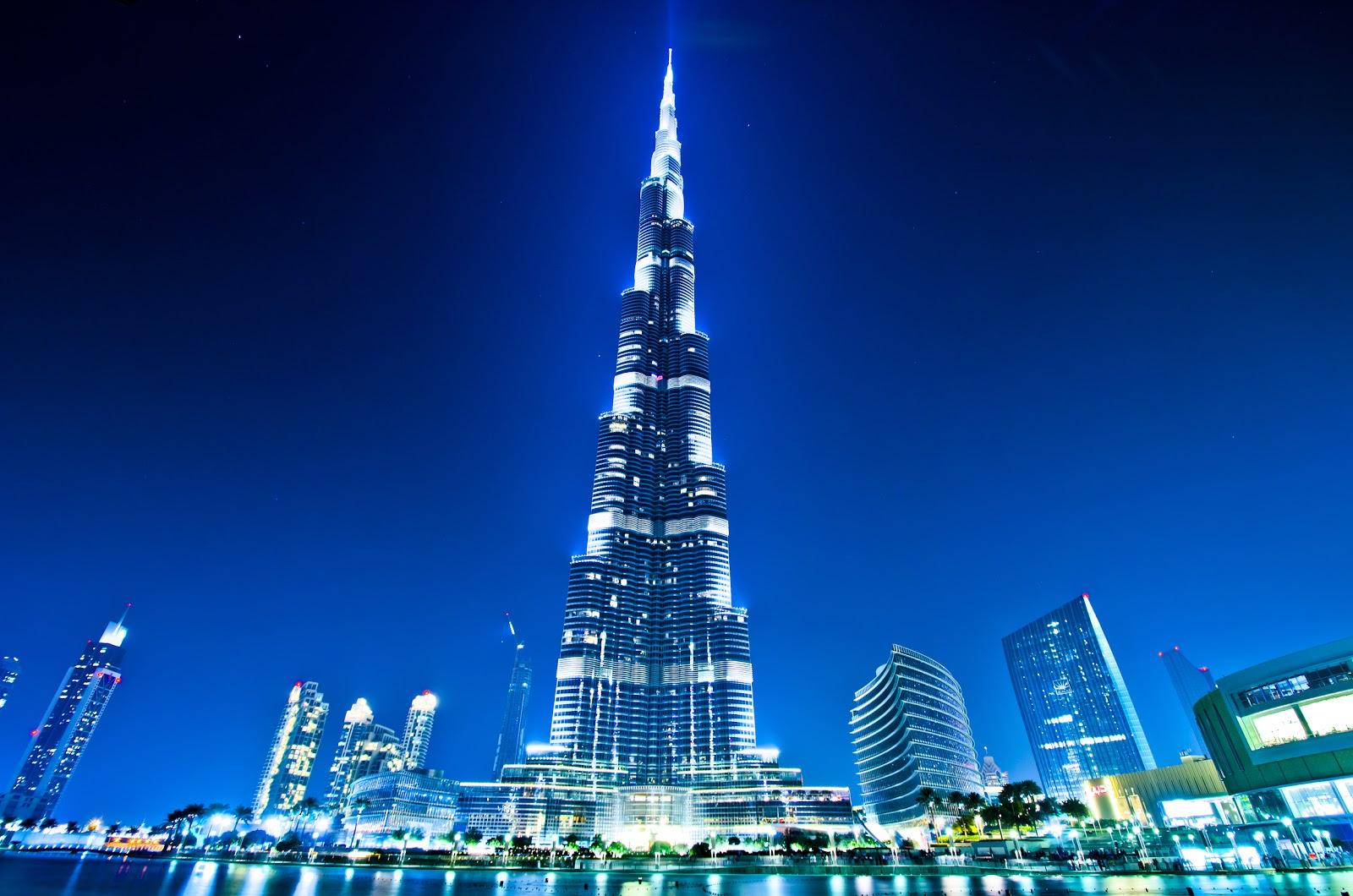 Worlds Tallest Building Burj Khalifa Dubai At Night