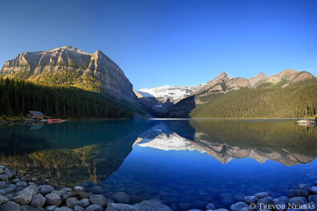 Fall Morning Sun Wallpaper 17 Beautiful Pictures Of Lake Louise