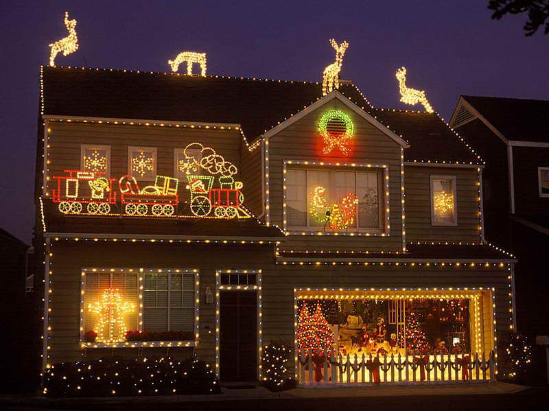 40 Beautiful Christmas Decoration Ideas - home depot outdoor christmas decorations