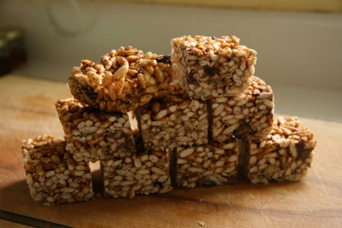 How to make a healthy, delicious snack bar using almond butter, honey, rice puffed cereal, walnuts and c