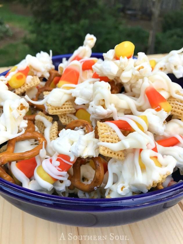 halloween-crunch-bowl-closewm