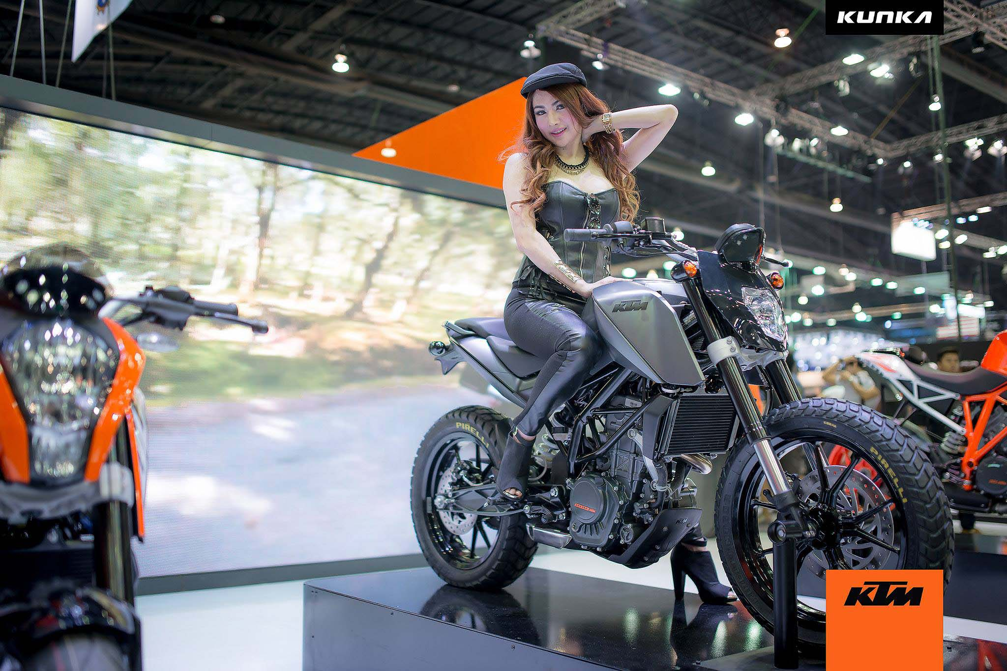 Cafe Racer Girl Wallpaper Ktm 200 Duke T Concepts By Kunka Asphalt Amp Rubber