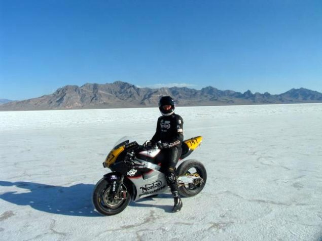 BUB: Norton Prepares for Bonneville Land Speed Record in 2010 with Rotary Powered NRV588 Norton NRV588 salt flats Bonneville 635x476
