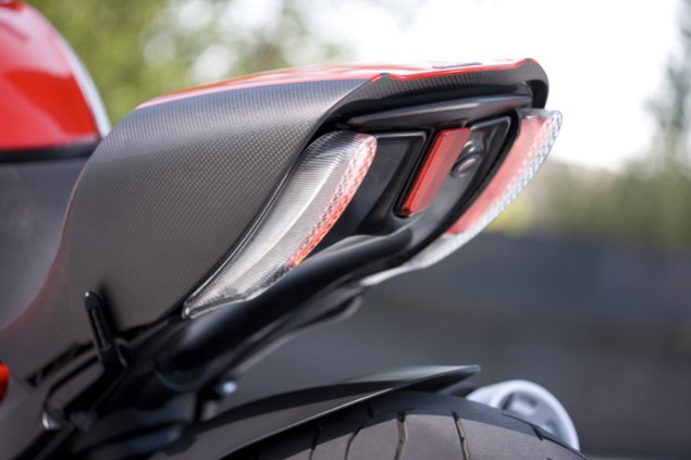 The Ducati Diavel Photo Gallery 2011 Ducati Diavel official 2 635x423