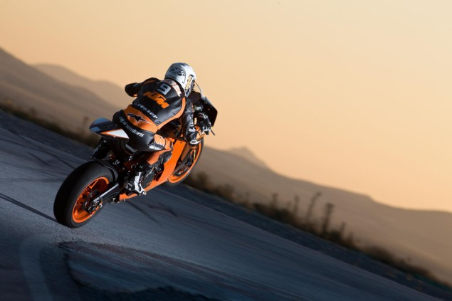More Photos of the 2011 KTM 1190 RC8 R 2011 KTM RC8 R 18 635x423