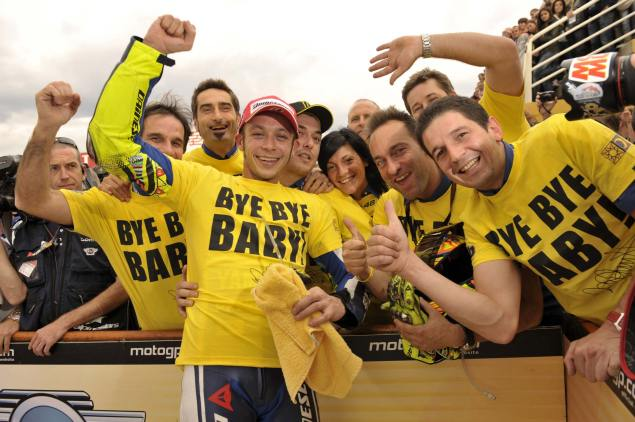 Final Quotes from the Rossi/Yamaha Era Valentino Ross goodbye baby 3 635x422