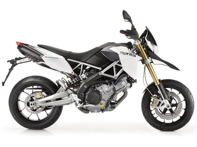 Three New Colors for the Aprilia Dorsoduro 750 2011 Aprilia Dorsoduro white 635x476