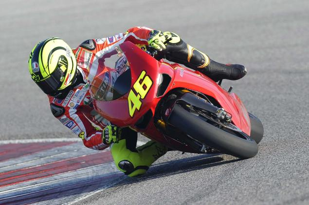 Video: Rossi Riding the Ducati Superbike 1198 SP valentino rossi ducati 1198sp misano test 5 635x423