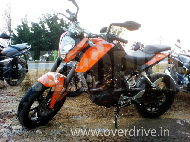KTM 200 Duke Caught Testing KTM 200 Duke 635x476